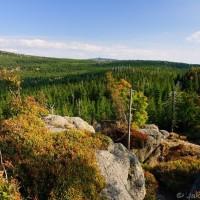 Pohled z Poledních kamenů, vzadu Jizera