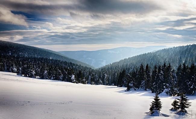 Pohled ze Švýcárny do Česnekového dolu
