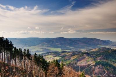 Pohled ze Stožku na Moravskoslezské Beskydy