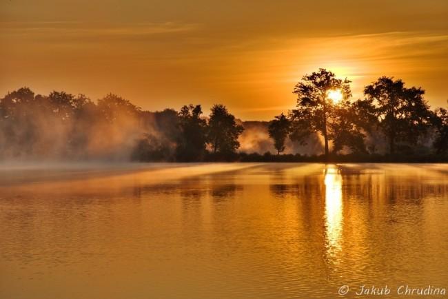 Východ slunce nad Křivým rybníkem