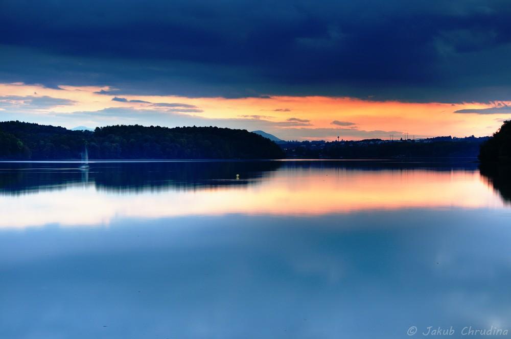 Soumrak u Těrlické přehrady